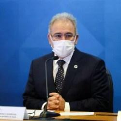 Queiroga reclama de estados que avançam na vacinação fora do PNO: 'Não é corrida de F1'
