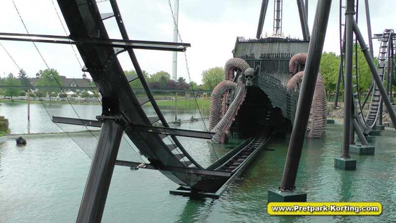 HeidePark Krake dive coaster - achtbaan
