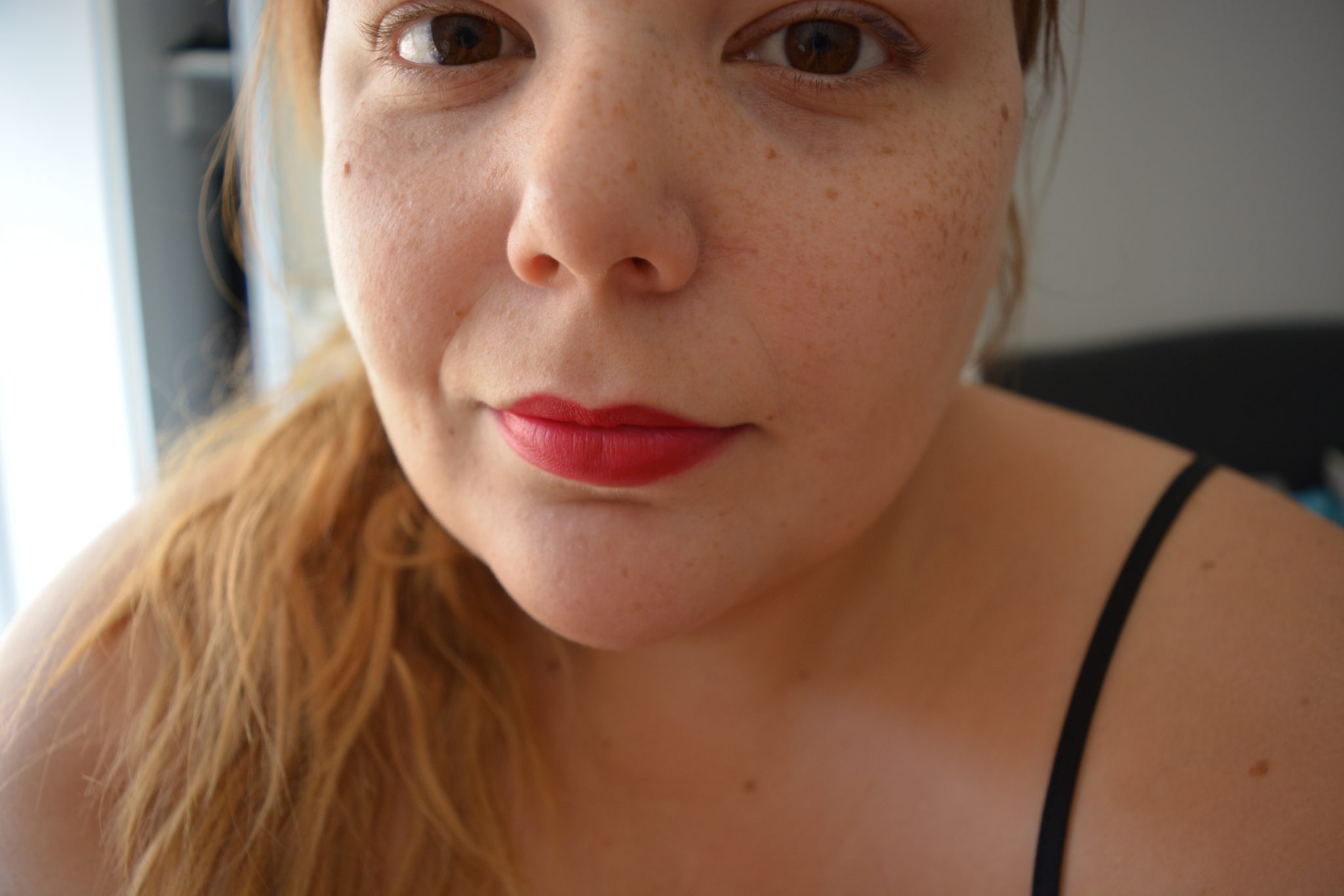 Killer Red lip - beauty blogger - pretty big butterflies