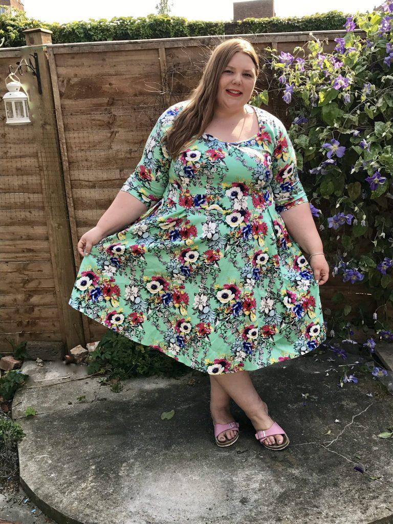 Lady Voluptuous Plus Size Vintage Dresses - Pretty Big Butterflies