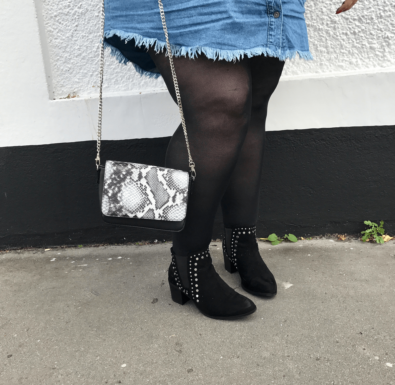 wide fit studded ankle boots and interchangeable bag - plus size outfit accessories - pretty big butterflies