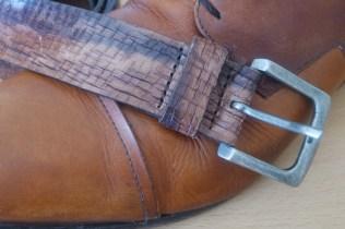 riem met schoenen combineren