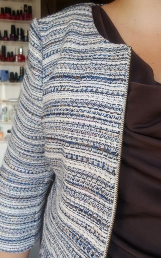 ongemakkelijk in zakelijke kleding