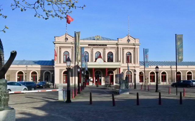 Dyanne Beekman ontwerpt nieuwe bedrijfskleding voor Spoorwegmuseum