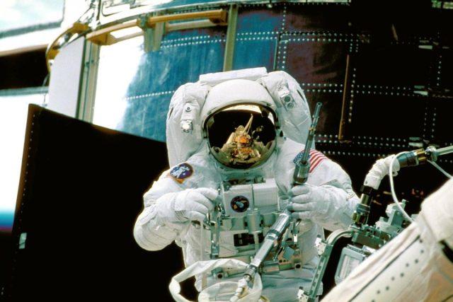 NASA weigert vrouwelijke astronaut omdat pak niet past