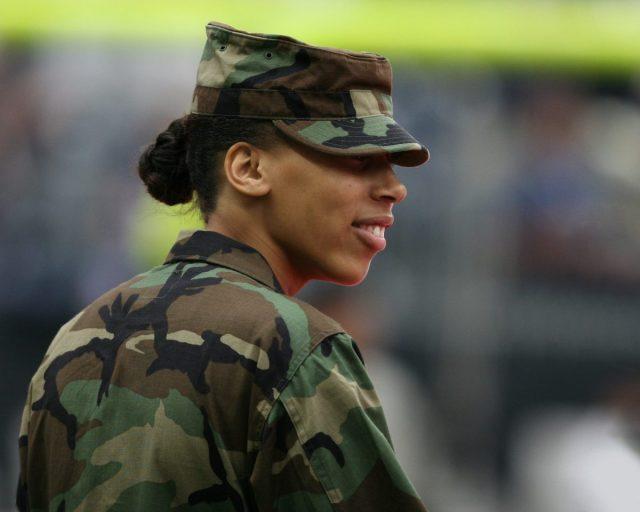 Zwitsers leger zet met damesondergoed stap in goede richting