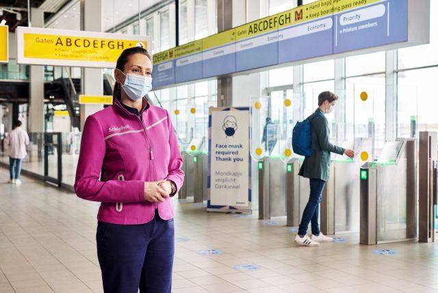 Schiphol kiest met nieuwe bedrijfskleding in compleet andere stijl