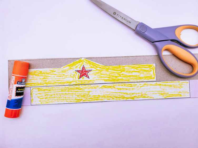 How to make a DIY Wonder Woman Tiara