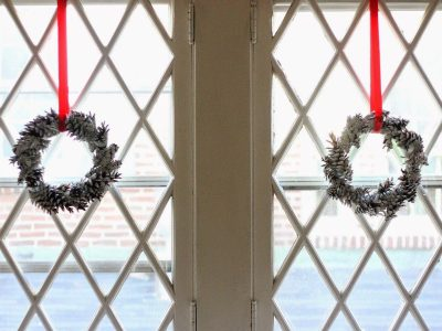 DIY Chalky Pine Cone Wreaths