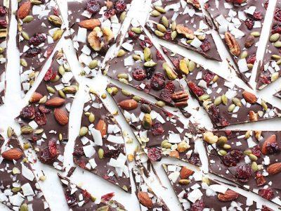 Snack Ideas: Healthy Trail Mix Dark Chocolate Bark Recipe