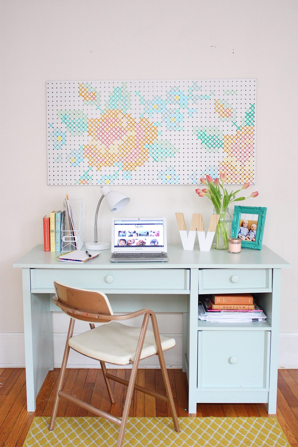 Cross stitch art tutorial featured by top US craft blog, The Pretty Life Girls.