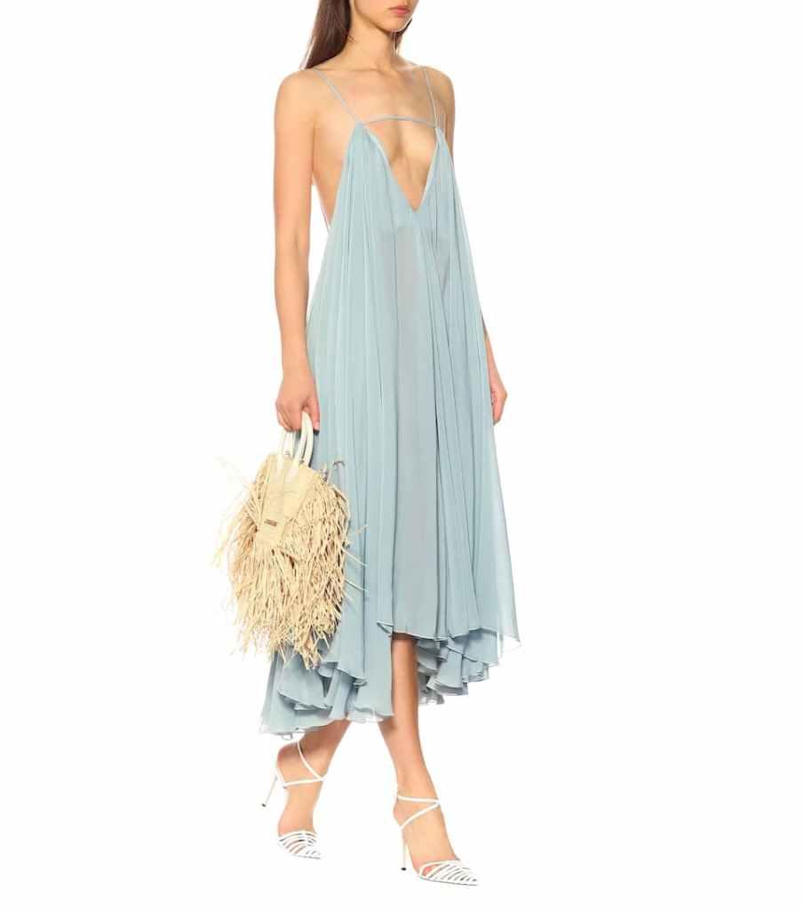 bledo modre midi šaty značky Jacquemus