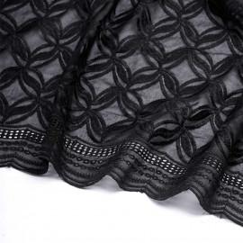 tissu dentelle noir a motif fleurs entrelacees