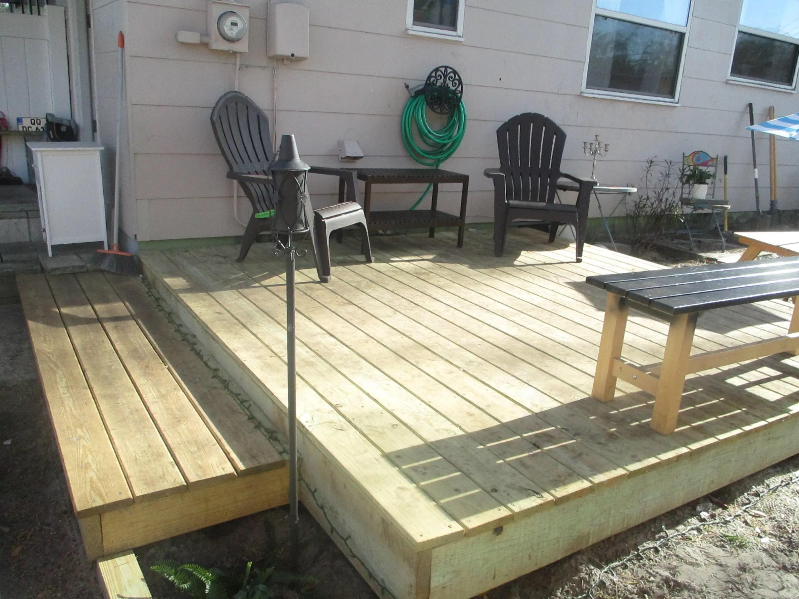deck #1! my 10x10 frugal DIY floating deck