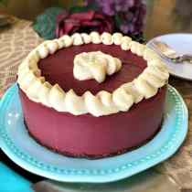 Red Velvet Cheesecake - PrettyPies.com