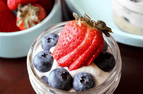 Berry Parfait (Vegan, Paleo, Low-Carb) PrettyPies.com