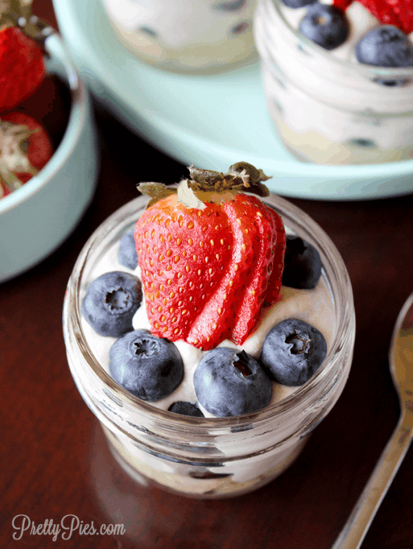 Berry Parfait (Vegan, Paleo, Low-Carb) PrettyPies.com