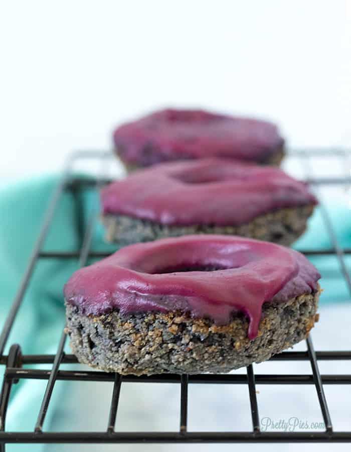 Low-Carb Glazed Blueberry Donuts (Dairy-Free, Gluten-Free, Sugar-Free, Paleo, Vegan) PrettyPies.com