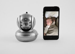 The BLINK1-S from Motorola is a remote Wi-Fi Camera that turns any internet enabled device into a private and secure fully functional video baby monitor. Use your smartphone, tablet, or computer to log in and check on baby over any internet connected device.  ZAR2129.99
