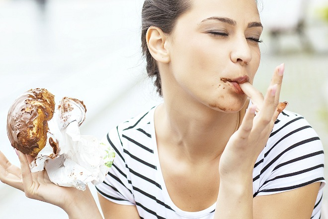 9 Signs Of Emotional Eating