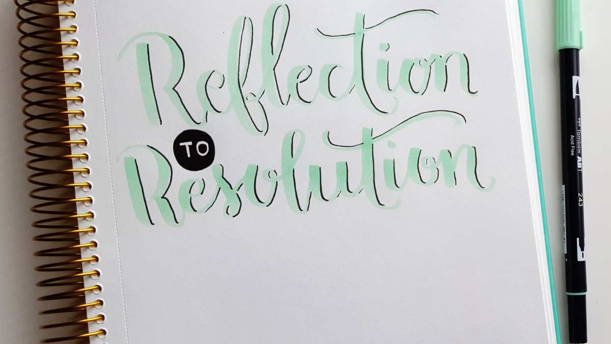 Take your reflections from 2015 to create strong concrete resolutions for 2016 // www.prettyprintsandpaper.com