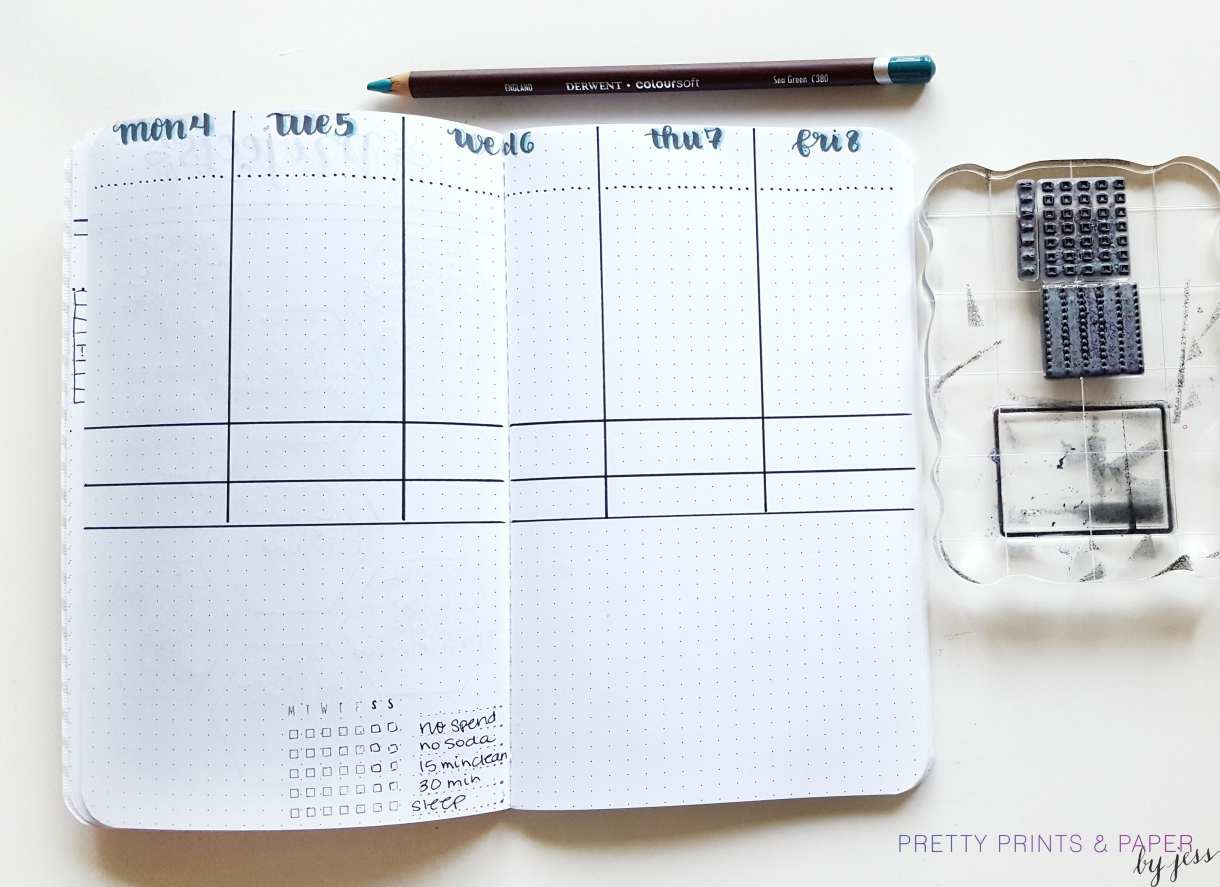 A 5-day weekly in your bullet journal helps focus on your standard work week
