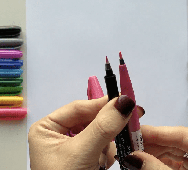 Comparing the Kelly Creates small brush pens with the Pentel Sign Brush Pen