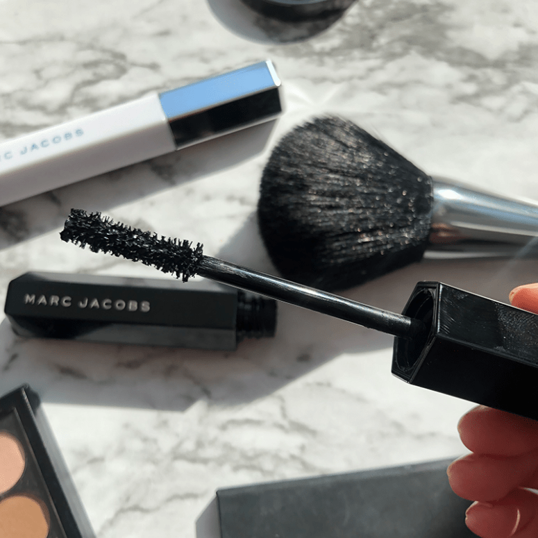 A close up of Marc Jacobs Velvet Noir Major Volume mascara wand