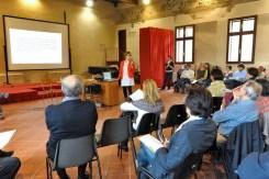 Chiara spiega il Documento partecipato da presentare alla Giunta Comunale