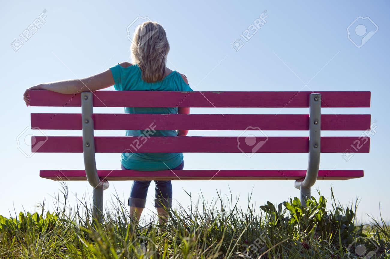 Risultati immagini per panchina sole