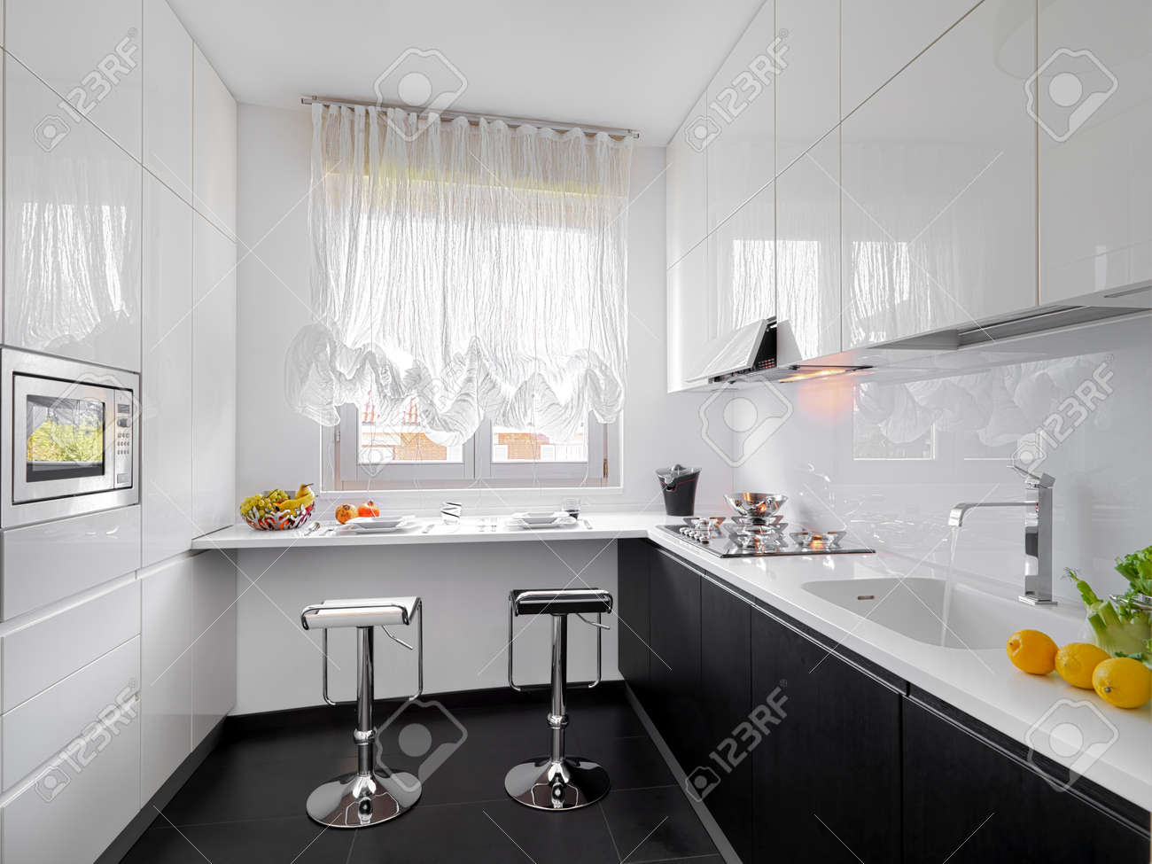 Cucine Ad Angolo Con Lavello Sotto Finestra Fabulous