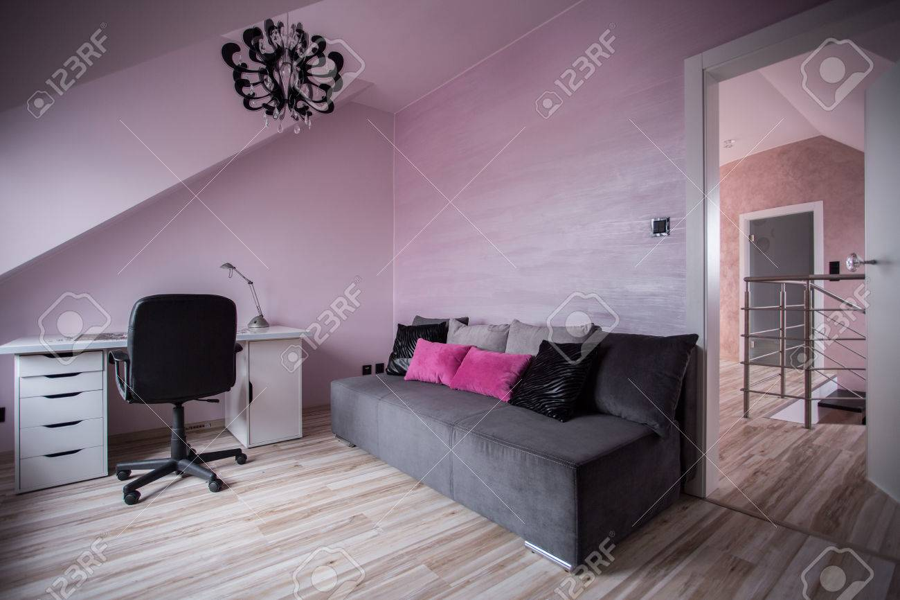 rose et moderne interieur gris de chambre ado banque d images et photos libres de droits image 42258694