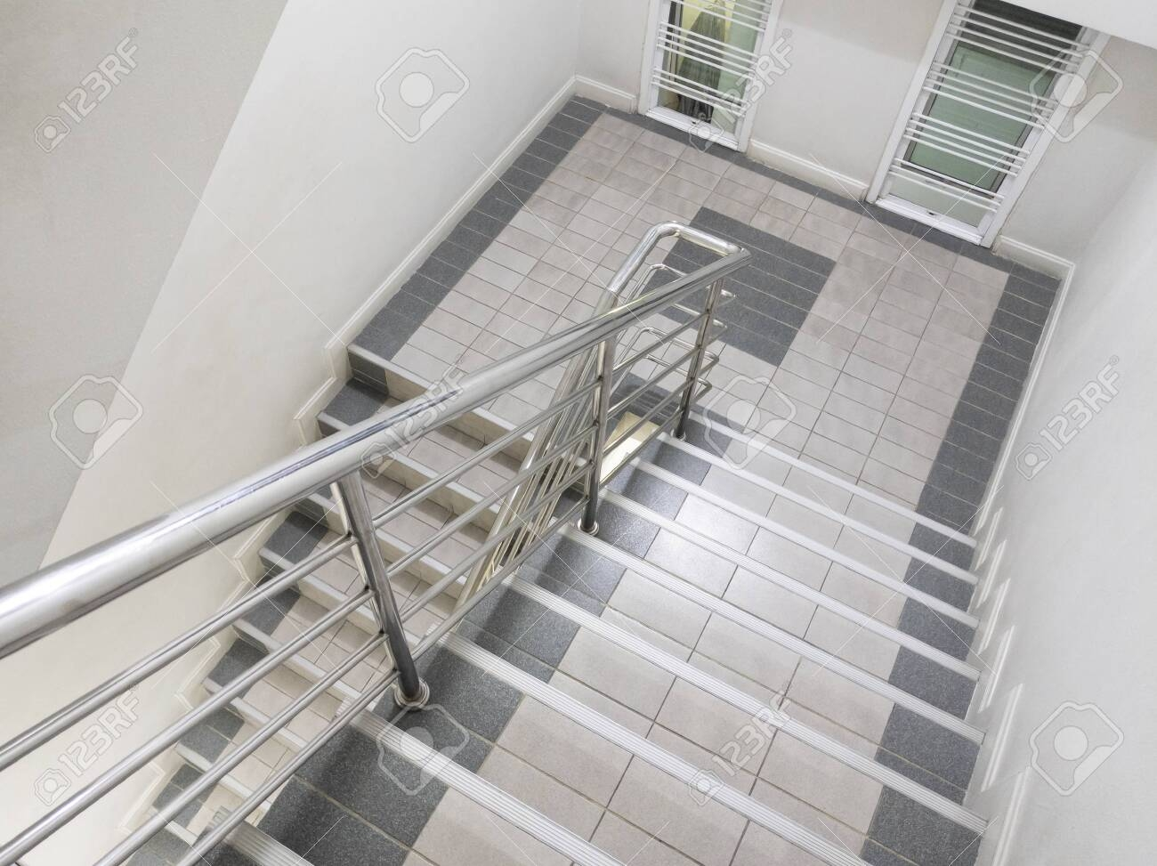 Modern Staircase And Aluminium Railing Handle For Safety Stock   Aluminium Railing For Stairs   Hand   House   Indoor   Staircase   3 Foot