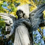 Engel Statue Friedhof Religiose Statue Auf Einem Grab Lizenzfreie Fotos Bilder Und Stock Fotografie Image 47553483