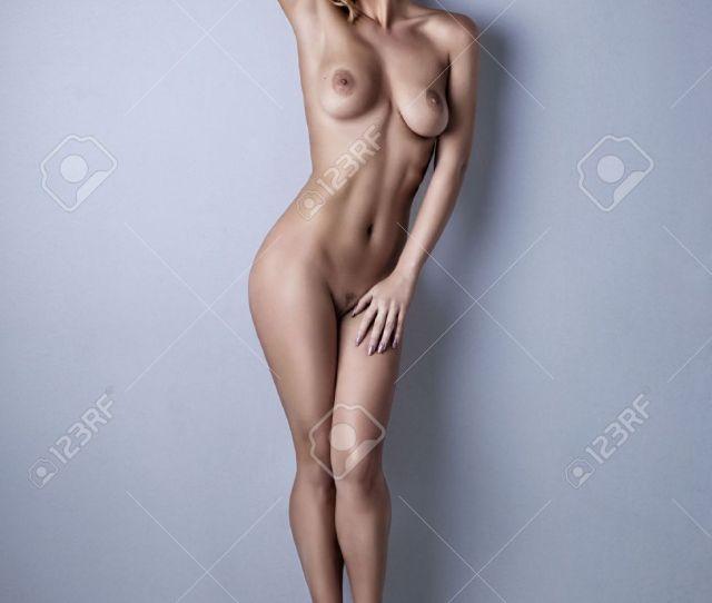 Sexy Body Nude Woman Naked Sensual Beautiful Girl Posing On