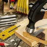 Close Up Of Carpenter S Tools On An Antique Wooden Table Construction Industry Do It Yourself Wooden Work Table Fotos Retratos Imagenes Y Fotografia De Archivo Libres De Derecho Image 135237797