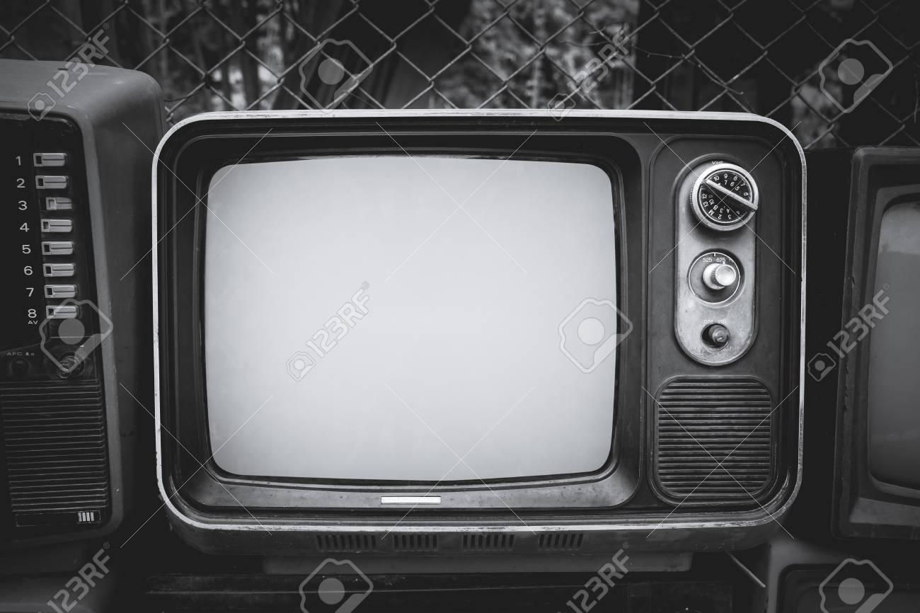 retro vieille television dans le style de couleur vintage noir et blanc technologie retro