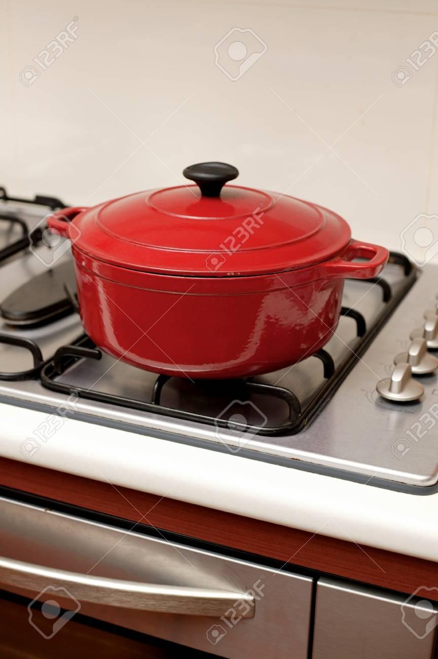 https fr 123rf com photo 23421320 un pot de support isol c3 a9 sur une plaque de cuisson html