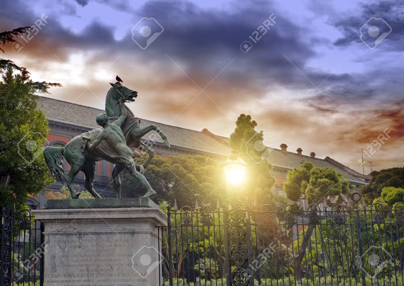 https fr 123rf com photo 66976249 sculpture d un cheval et d un homme naples italie 19 c3 a8me si c3 a8cle le sculpteur clodt html