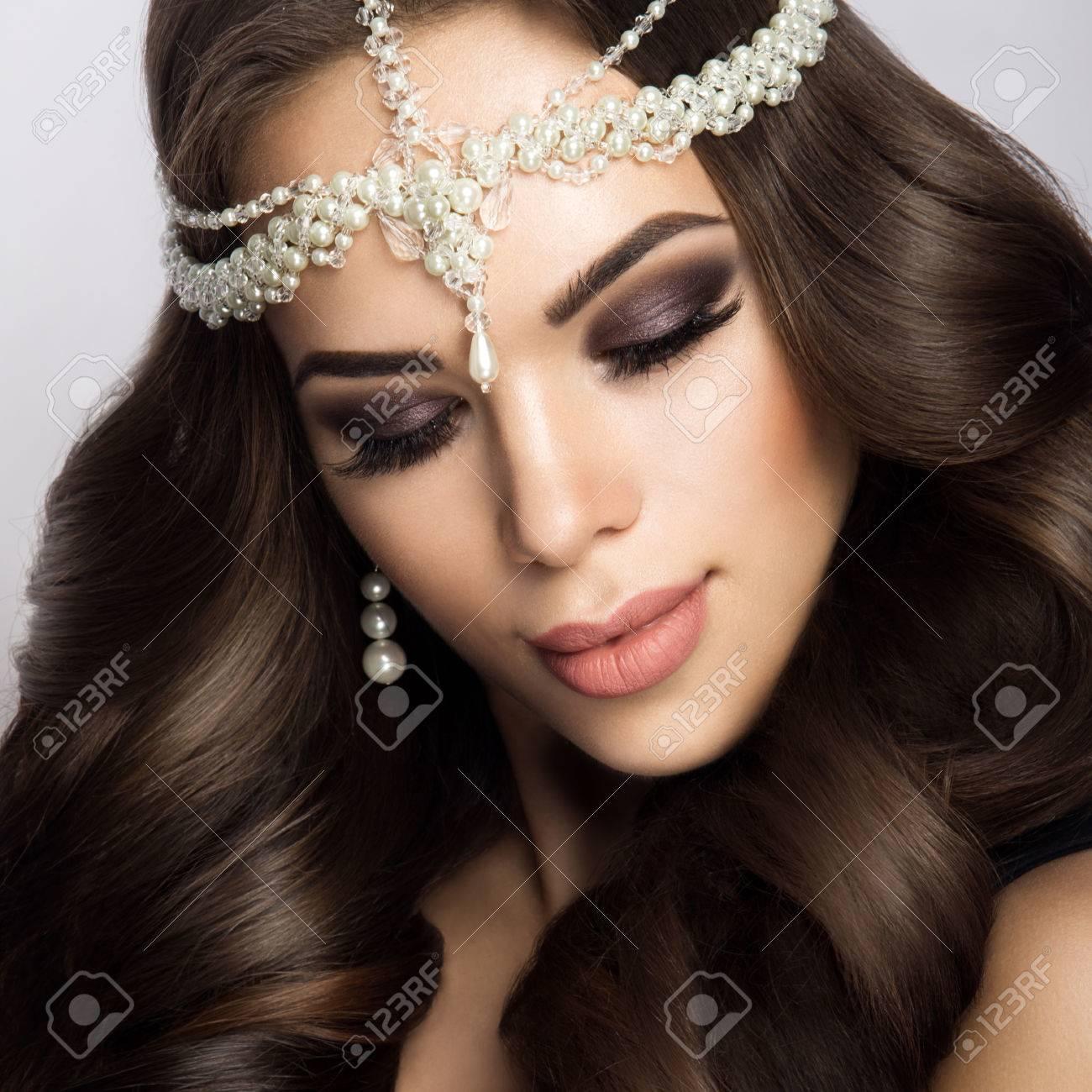 Brautstyling Fur Deine Hochzeit Make Up Und Frisur Make Up Hair