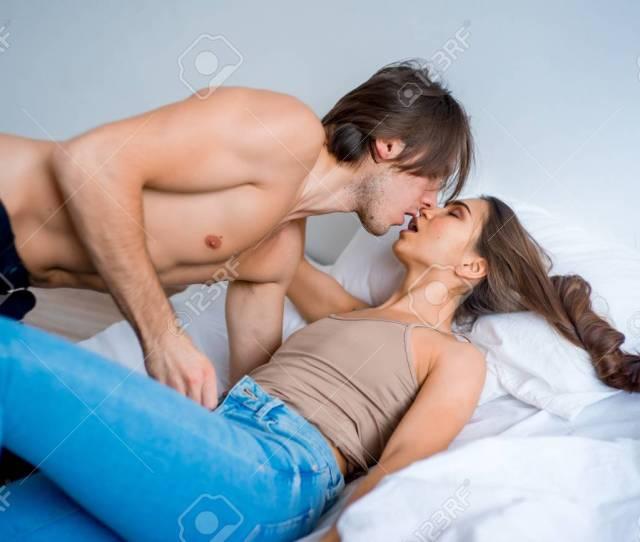 Couple Having Sex Foto De Archivo 94576902