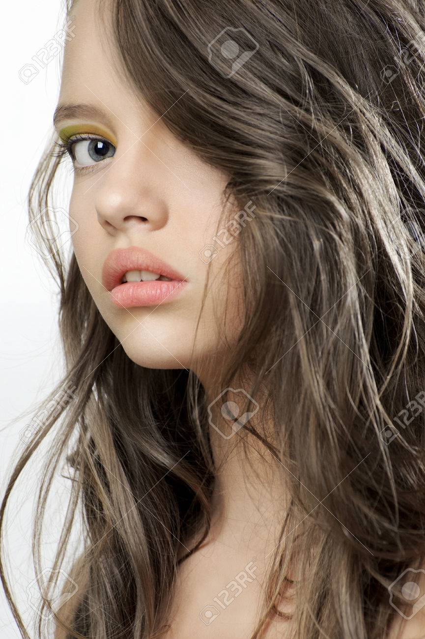 Beauty Portrait Of A Young Beautiful Teen Girl Stock Photo 66763002