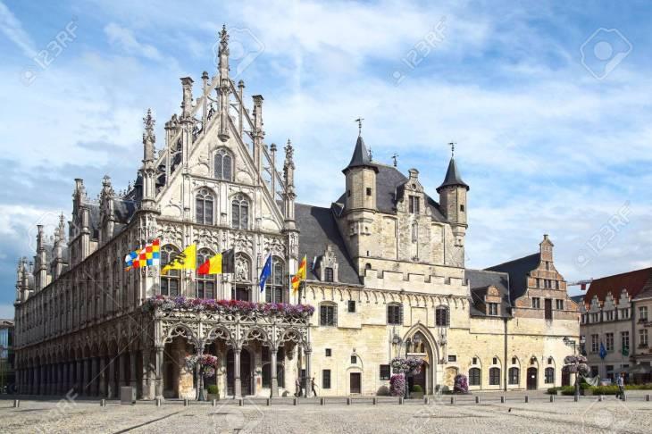 El Stadhuis, Malinas Ayuntamiento. Mechelen, Bélgica Fotos ...