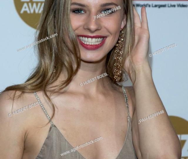 Foto De Stock Adult Film Actress Jillian Janson Arrives At The 2016 Xbiz Awards At Hotel J W Marriot La Live In Los Angeles Usa On