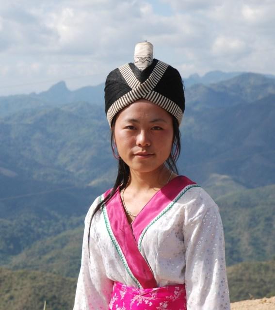 ស្រ្តីជនជាតិ Hmong នៅប្រទេសលាវ ។