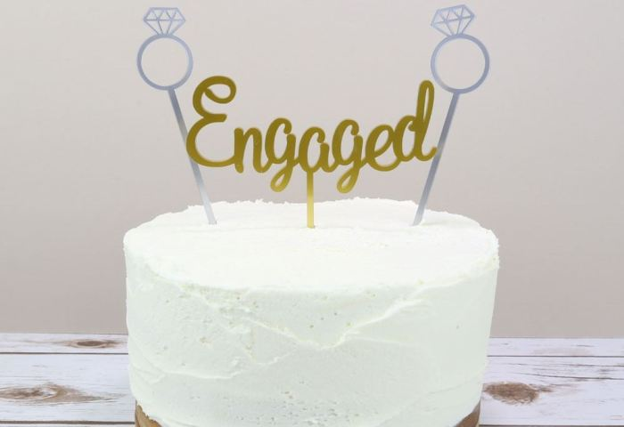 Engagement Cake Topper Prezzely