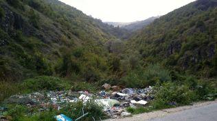 trash everywhere - unfortunatley