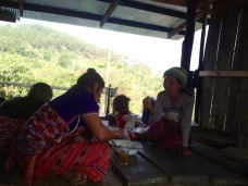 Karen-hilltribe-village061