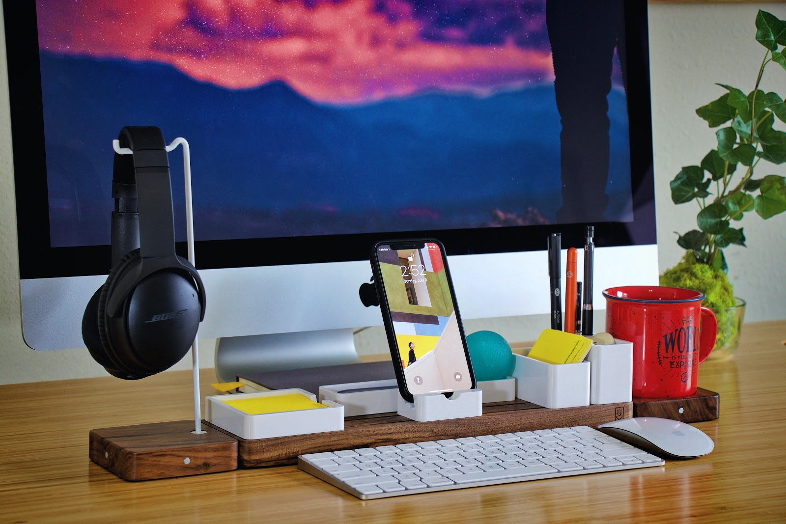 Desk Accessories Unsplash 1
