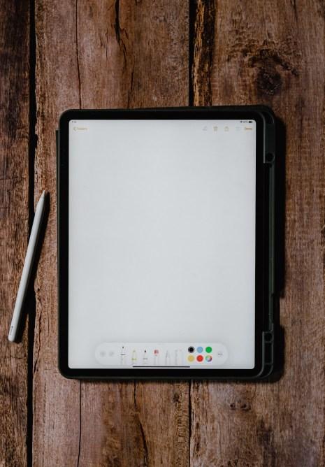 Tablet Unsplash 1